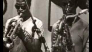 """getlinkyoutube.com-Orchestre Poly-Rythmo de Cotonou """"Se Ba Ho"""""""
