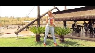 getlinkyoutube.com-Cacau Colucci - Making Of Campanha Primavera/Verão 2014 para Via Sete Jeans