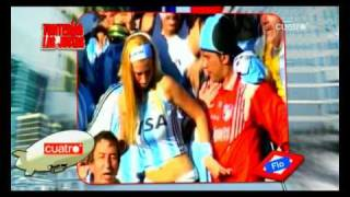 getlinkyoutube.com-Abuelo metiendo mano a aficionada argentina en Sudafrica 2010