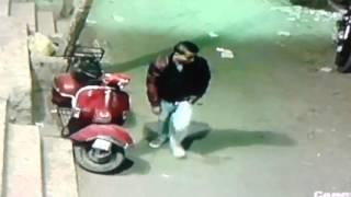 getlinkyoutube.com-حرامي منشية ناصر محترف في سرقة الموتوسيكلات وتم التعرف عليه من خلال كاميرات مراقبة مصانع الرياض