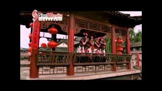 getlinkyoutube.com-[Q-Genz 巧千金] 唱出一个好春天 -- 新年乐满贯 (Official MV)