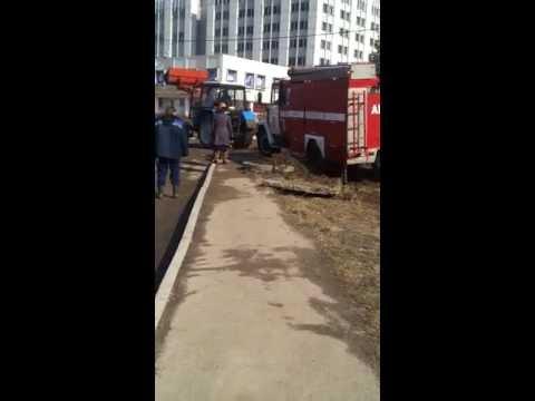 в Калуге провалилась пожарная машина