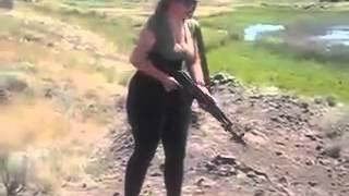 getlinkyoutube.com-Mal Malloy Shoots with gun!!