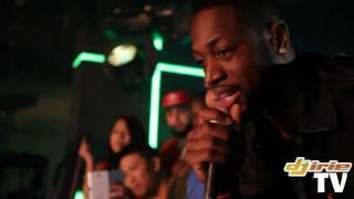 Dwyane Wade & Ace Hood rappent sur le morceau Hustle Hard en live