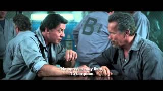 getlinkyoutube.com-PLAN DE ESCAPE - Tráiler oficial con Sylvester Stallone y Arnold Schwarzenegger