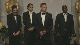 getlinkyoutube.com-Oscars 2014 Winners Room: Brad Pitt jokes about picking up dog poo before the Oscars