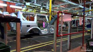 getlinkyoutube.com-Land Rover Discovery 4 Assembly plant