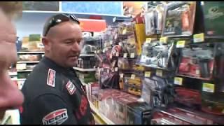 getlinkyoutube.com-Walmart - Guns and Ammo