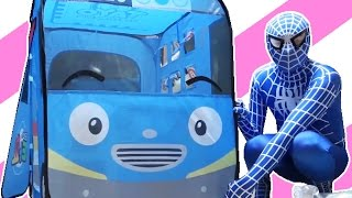 getlinkyoutube.com-SpiderMan with Tayo the little bus & Learn Colors