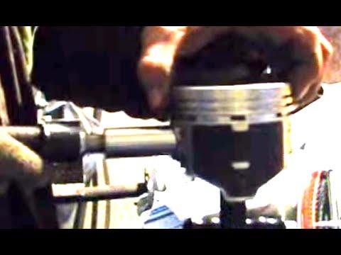 Как запрессовать палец шатуна в шатун поршня/How to Drive in radial a finger of a rod
