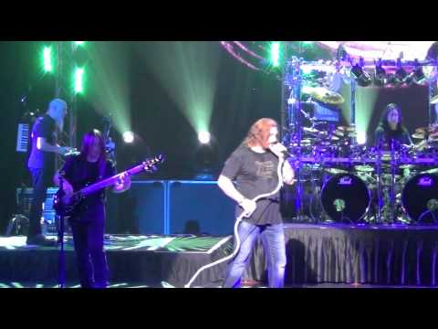 Dream Theater Live In Singapore 2012 - Surrounded