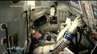 getlinkyoutube.com-Christophe Willem visite Soyouz et la station MIR @ Une nuit dans l'espace F2- 27.03.12