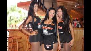 getlinkyoutube.com-Hooters in Medellin Colombia ( Parque Lleras, el poblado)   Girls in Medellin