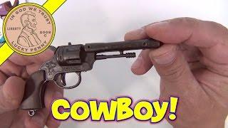getlinkyoutube.com-Cowboy 6 Shooter Revolver Single Cap Gun - 6 Die Cast Toy Gun Collection