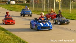 getlinkyoutube.com-Superheroes Mega Power Wheels Race - 5 Heroes!