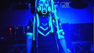 getlinkyoutube.com-cyborg predator Dance * cybergoth parade * ( otro angulo )