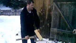 getlinkyoutube.com-Vasile, aparat de taiat lemne!!! Fenomenal