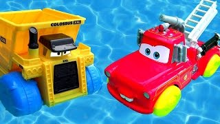 getlinkyoutube.com-Disney Cars Rescue Squad Mater Hydro Wheels vs. Colossus Dump Truck Hydro Wheels Pool Bathtub Toys