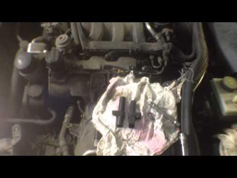 Mercedes-Benz S320 (W220) Замена датчика положения коленчатого вала