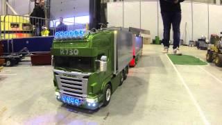 getlinkyoutube.com-Oslo Motorshow 2014 - R/C Scania R730 road train