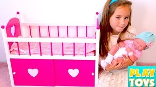 getlinkyoutube.com-Baby Doll BABAY SITTER - setting up dolls room, baby change diaper, sleep, kids toys for girls play