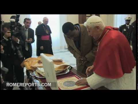Pope meets with Benin's president  Thomas Boni Yayi