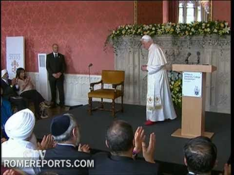 Speaking before Muslims and Hindus  Pope asks for right to change religion to be respected