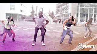 getlinkyoutube.com-MO DIAKITE: Shake Body by Skales (Zumba® Fitness choreography)