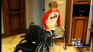 getlinkyoutube.com-Teen Once Paralyzed Finds Solace in Swimming - CBS 11