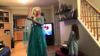 getlinkyoutube.com-Surprising our daughter McKensie with a trip to Disney World by Queen Elsa from Frozen