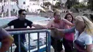 getlinkyoutube.com-Greek Fight (Old Drunk Dude vs Aggressive Woman)