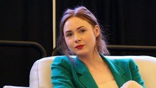 getlinkyoutube.com-Doctor Who Panel RICC 2015 Part 2: Karen Gillan and Alex Kingston