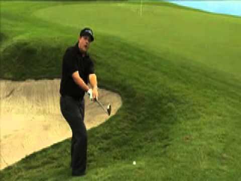 Phil Mickelson's Backwards Golf Shot - Callaway Golf