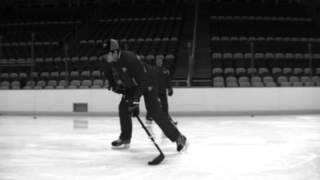 getlinkyoutube.com-Evgeni Malkin Base hockey stick demo - wrist shot
