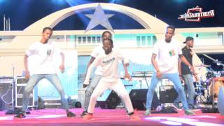 getlinkyoutube.com-Shatta Wale s Chop Kiss and Wisa s Ekiki me dance performance @ Freedom Concert 2016