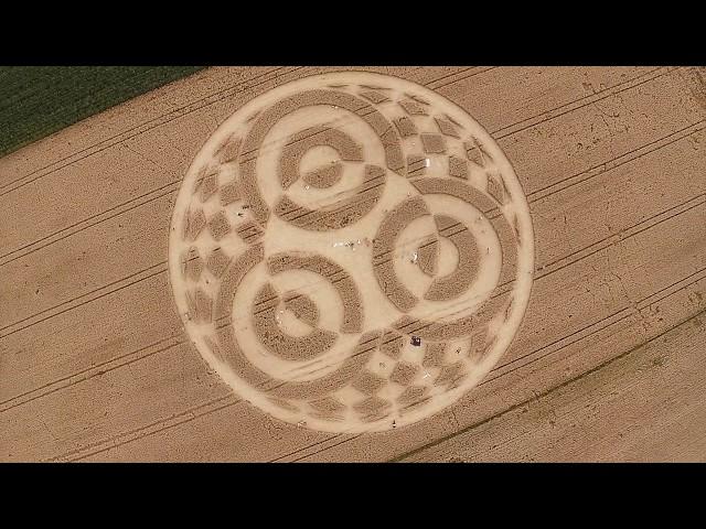 Kornkreis Raisting Erdfunkstelle Juli 2014 - Luftaufnahmen und Impressionen - Crop Circles Germany