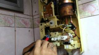 getlinkyoutube.com-แนวทางการตรวจเช็คซ่อมเครื่องน้ำอุ่น national 3500W อาการ ร้อนน้อย ตอนที่1