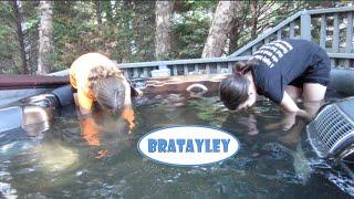 getlinkyoutube.com-Weirdos in a Hot Tub (WK 229.4) | Bratayley