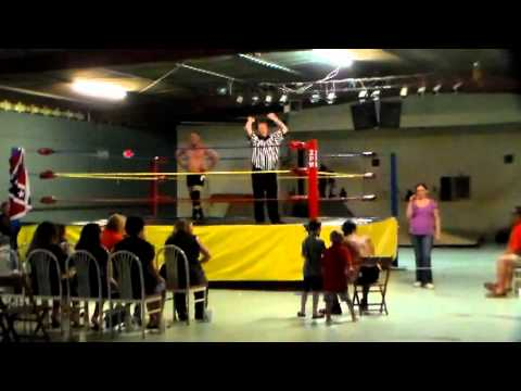 ZPW Heavyweight Title Match: Mike Thrill vs. Kevin Phoenix