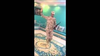 getlinkyoutube.com-العسكري منصور بن وقيان العتيبي يلعب على شيلة عاصفة الحزم