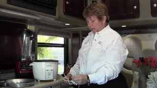 getlinkyoutube.com-Freightliner Cascadia Custom Sleeper Tour