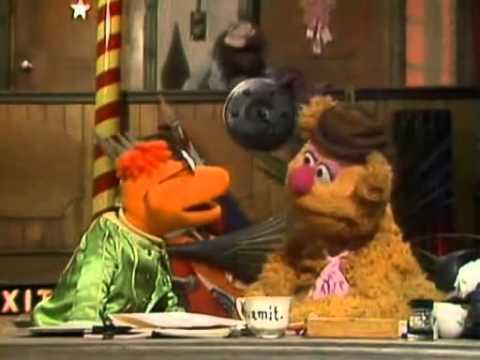 The Muppet Show - S4 E9 P1/3 - Beverly Sills