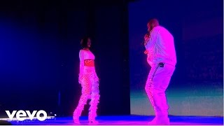 getlinkyoutube.com-Rihanna - Work - Live at The BRIT Awards 2016 ft. Drake