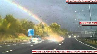 getlinkyoutube.com-Fotografian el final de un Arco iris en Inglaterra 22/09/2011