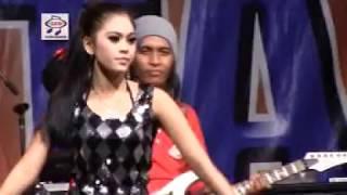 Utami DF   Tak Donwload Cintamu (Official Music Video)