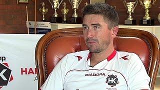 getlinkyoutube.com-مصاحبه بی بی سی فارسی با ستاره استرالیا که در هر دو بازی دروازه ایران را باز کرد