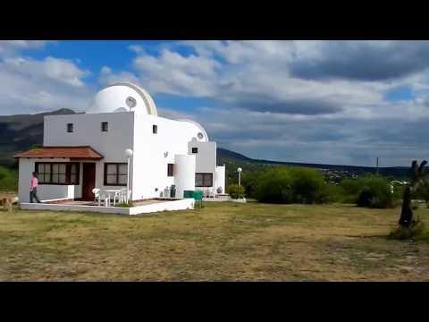 C. del Monte - Casa 1 Cupulas Blancas Shiva Shakti de Patricia - www.AlquilerCapillaDelMonte.com