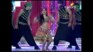 getlinkyoutube.com-Shweta Tiwari & Ankita Lokhande's Sizzling Performance at The Eleventh Indian Telly Awards.