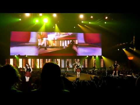 [fancam] SM Town Paris 11.06.2011 - SNSD performing Hahaha and Way To Go! - 1080p