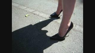 getlinkyoutube.com-Karina walks outside